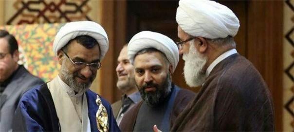 حجت الاسلام و المسلمین  عبدالحسین خسروپناه به عنوان برگزیده سومین دوره جایزه جهانی علوم انسانی اسلامی معرفی شد.